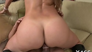 Voluptuous vixen with massive wazoo adores penis riding