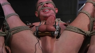 Bondage stud gets punished with electric toy