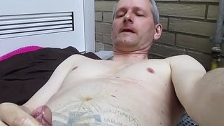 pissing on myself (dirty-cumwhore)