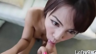 Talented thai ladybody favors her stud with a oral-stimulation
